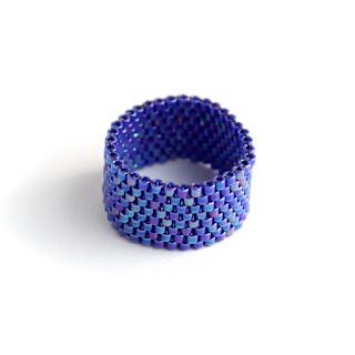 цветные кольца на палец модные широкие кольца купить изделия из бисера