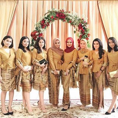 Model Kebaya modern Coklat Rok Batik motif Lurik
