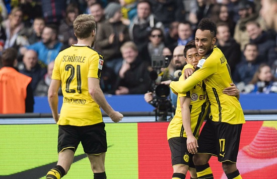 Pha sút của siêu tiền đạo Dortmund san bằng tỉ số.