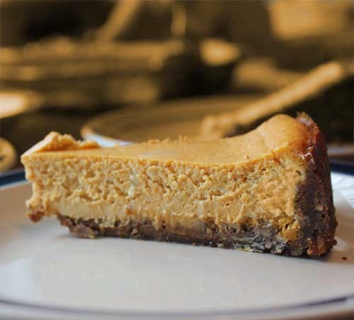 Easy Pumpkin Cheesecake Recipe for Thanksgiving, Christmas or any occasion. Or just make one and enjoy coz it tastes good.