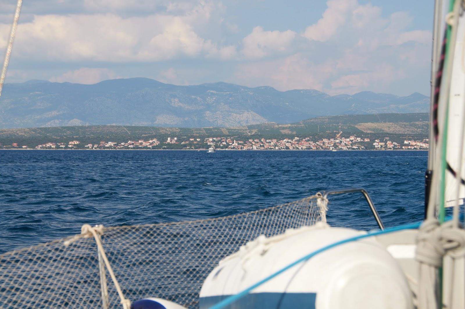 widok na wyspę Pag z morza