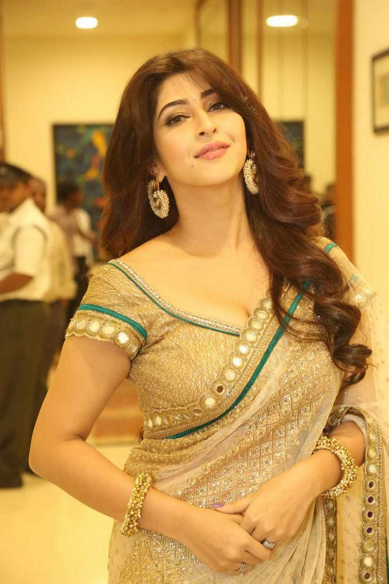 Actress Celebrities Photos: Sonarika Bhadoria Latest ...