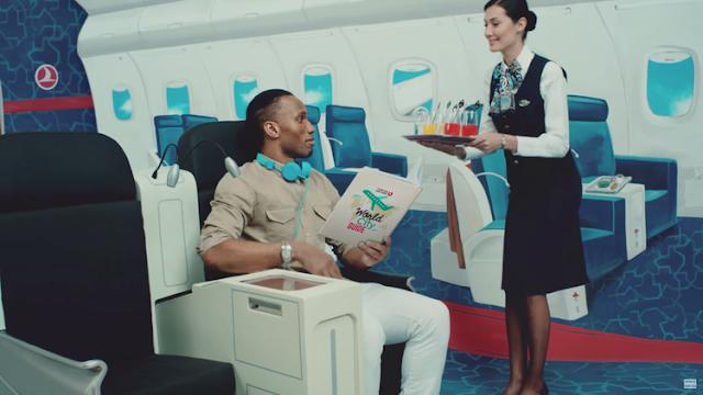 Drogba vuelve a protagonizar lo último de Turkish Airlines