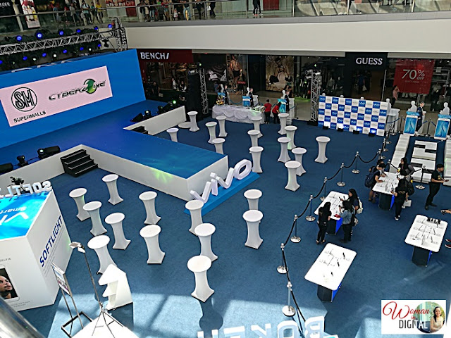 Vivo V5 Plus at SM Mall of Asia