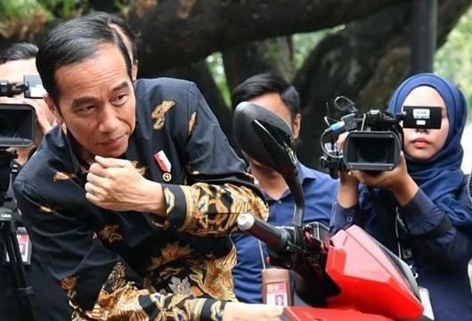 Gaya Politik Jokowi Mulai Menyerang