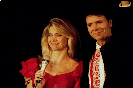 Un Clásico: Olivia Newton John y Cliff Richard - Suddenly