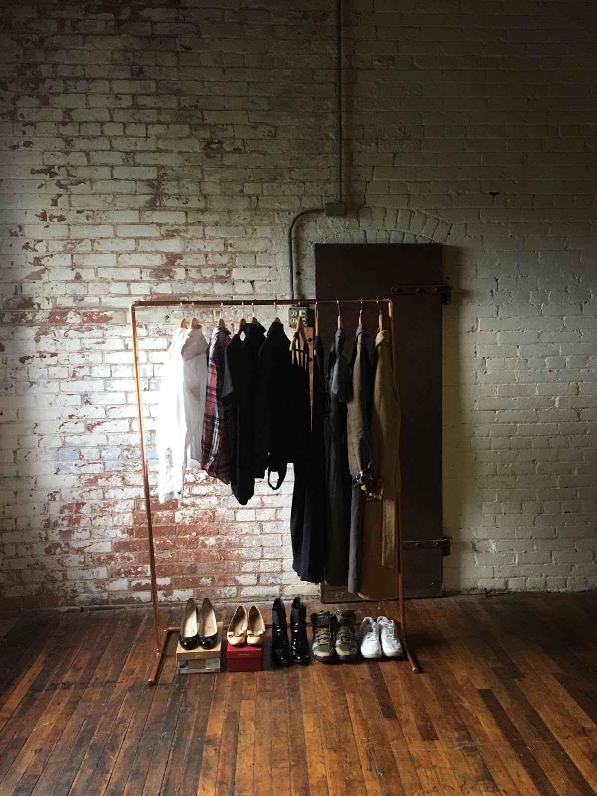 Paris To Go Diy Minimalist Copper Clothes Rack