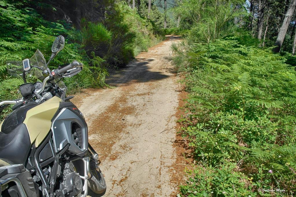 BMW GS 800. Trail Forever. Ruta circular alrededor de Gredos.