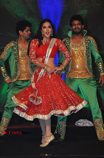 Bollywood Actress Model Sunny Leone Dance Performance in Red Half Saree at Rogue Audio Launch 13 March 2017  0094.jpg