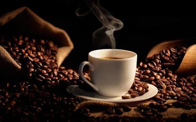 فوائد القهوة الصحية والجمالية - ماسكات القهوة لاستعادة نضارة البشرة