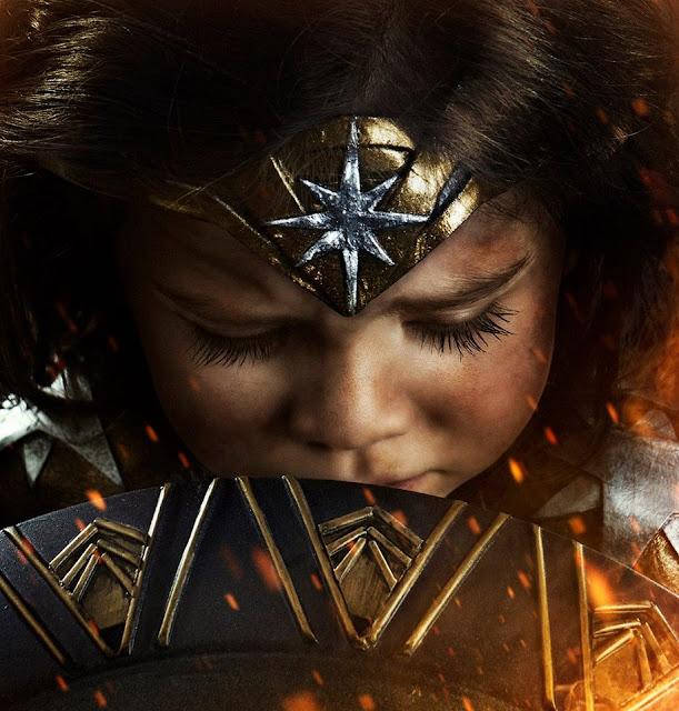 Hombre convierte a su hija en La Mujer Maravilla
