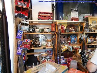 Puesto de antigüedades en el mercado de Portobello Road