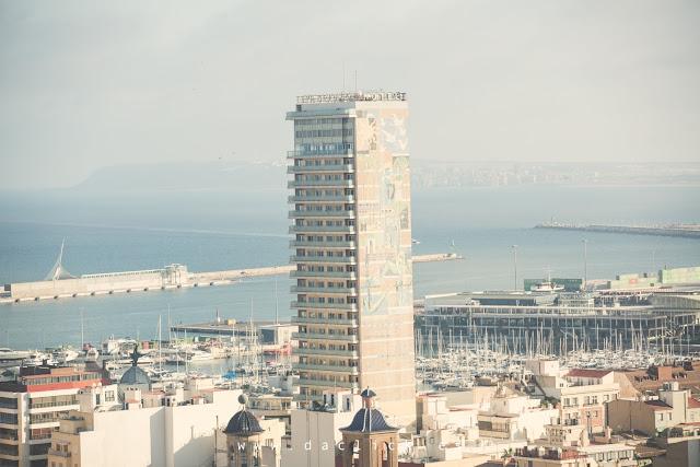edificio gran sol puerto alicante vistas