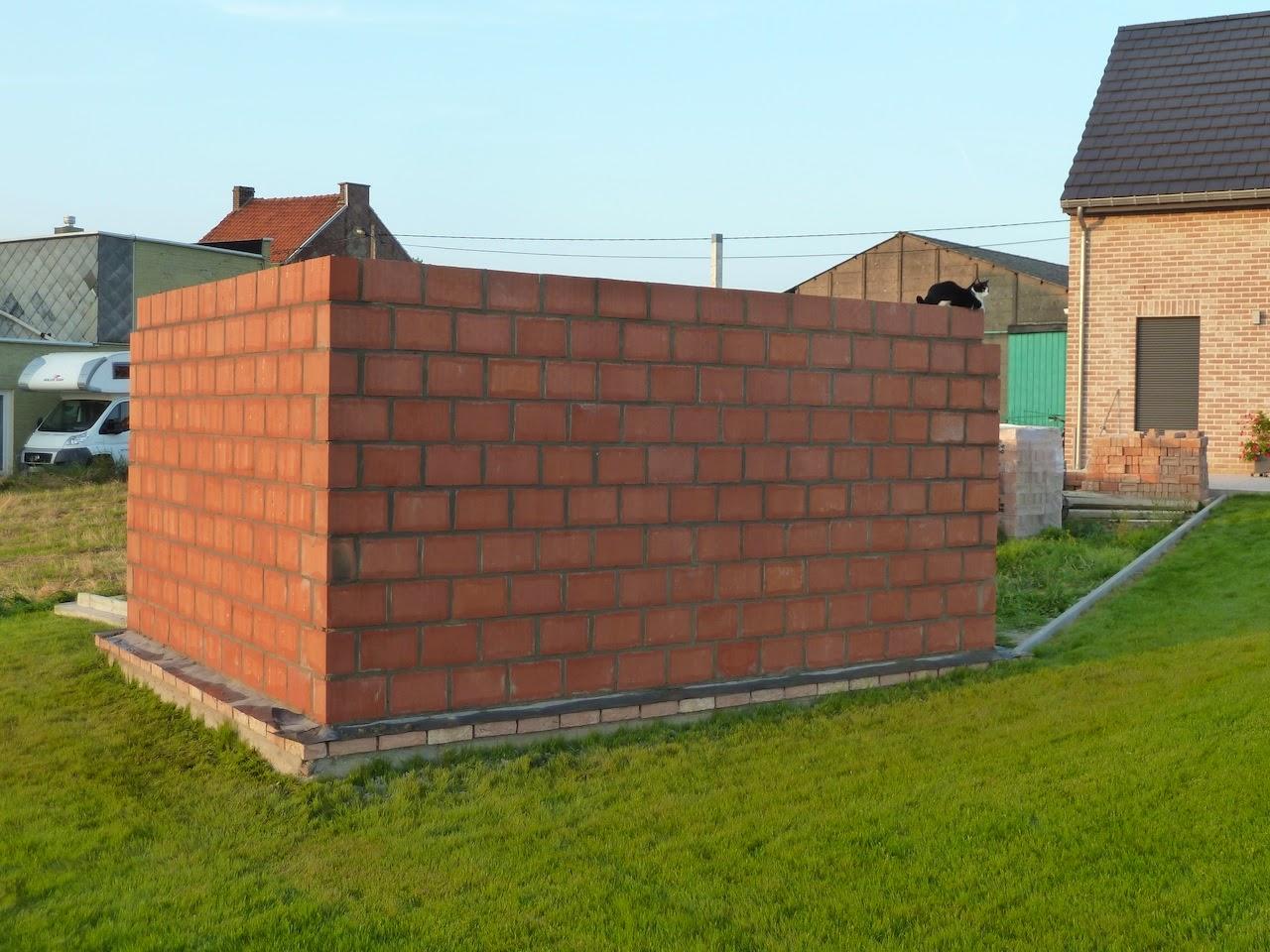 la construction de notre maison l 39 abri de jardin 1. Black Bedroom Furniture Sets. Home Design Ideas