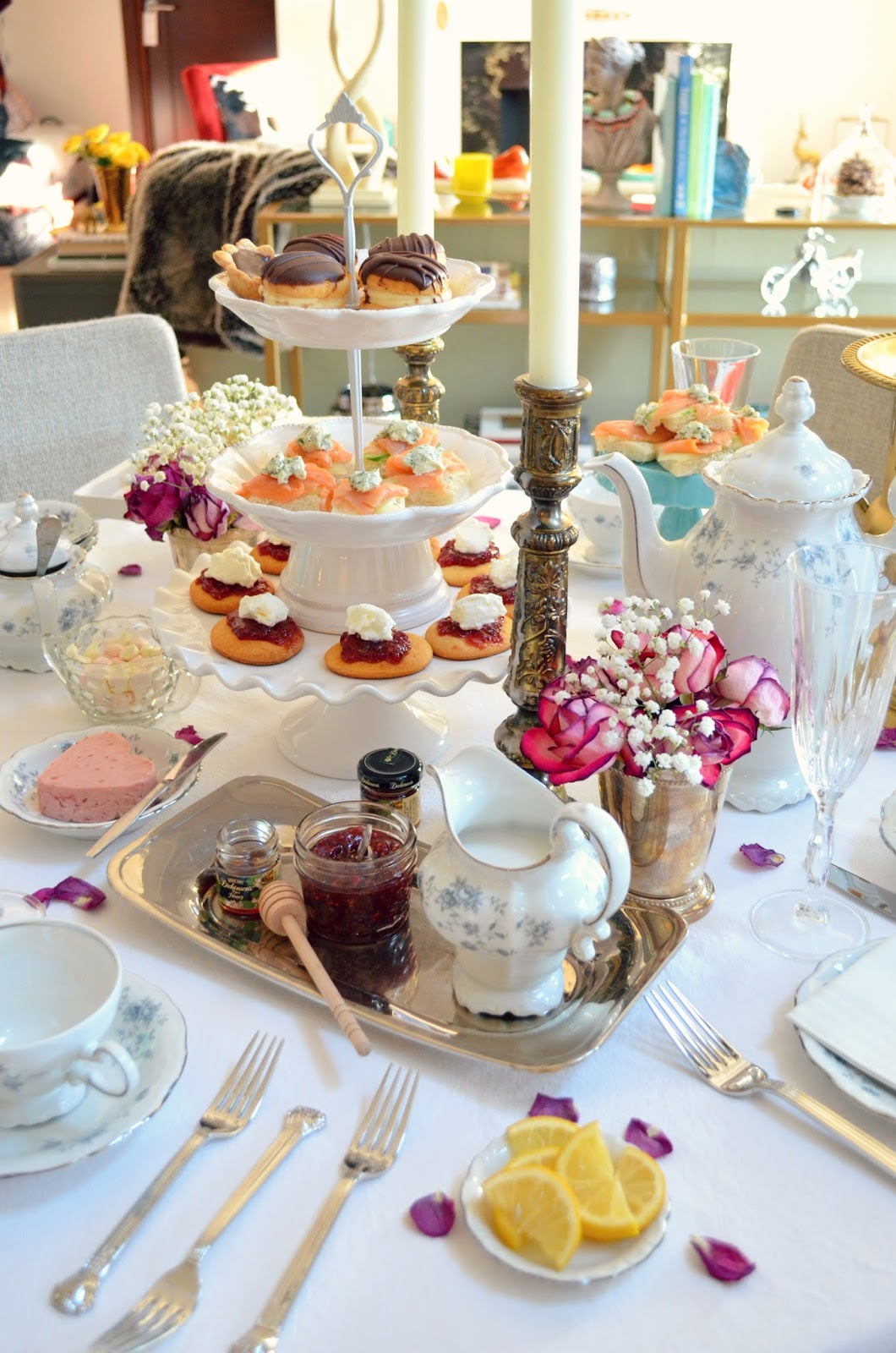 Oscars Champagne Afternoon High Tea How-To host one