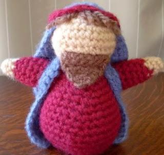 http://translate.google.es/translate?hl=es&sl=en&tl=es&u=http%3A%2F%2Fwww.craftycattery.com%2F2011%2F01%2Famigurumi-nativity-crocheted-joseph.html