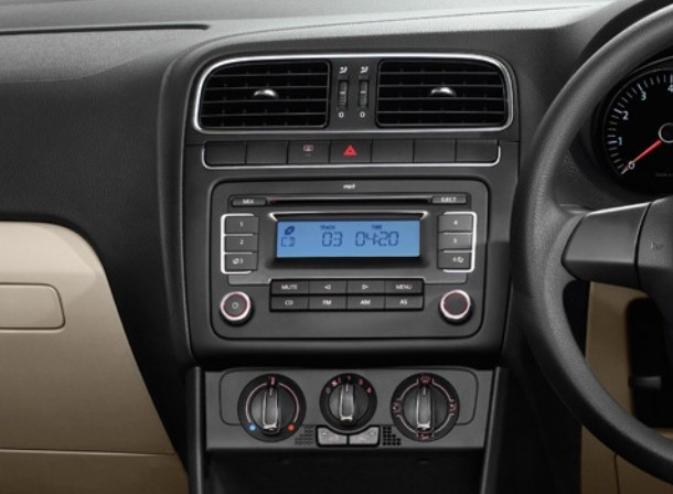 volkswagen polo breeze 2011 price review models mileage. Black Bedroom Furniture Sets. Home Design Ideas