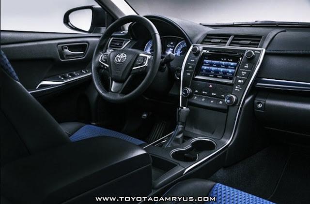 2017 Toyota Camry Hybrid Review Interior