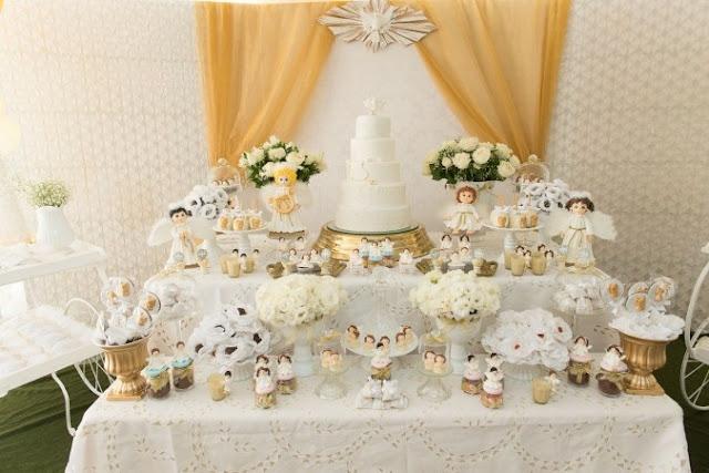 dicas-de-decoração-para-batismo-decoração-classica-toda-branca-e-dourado