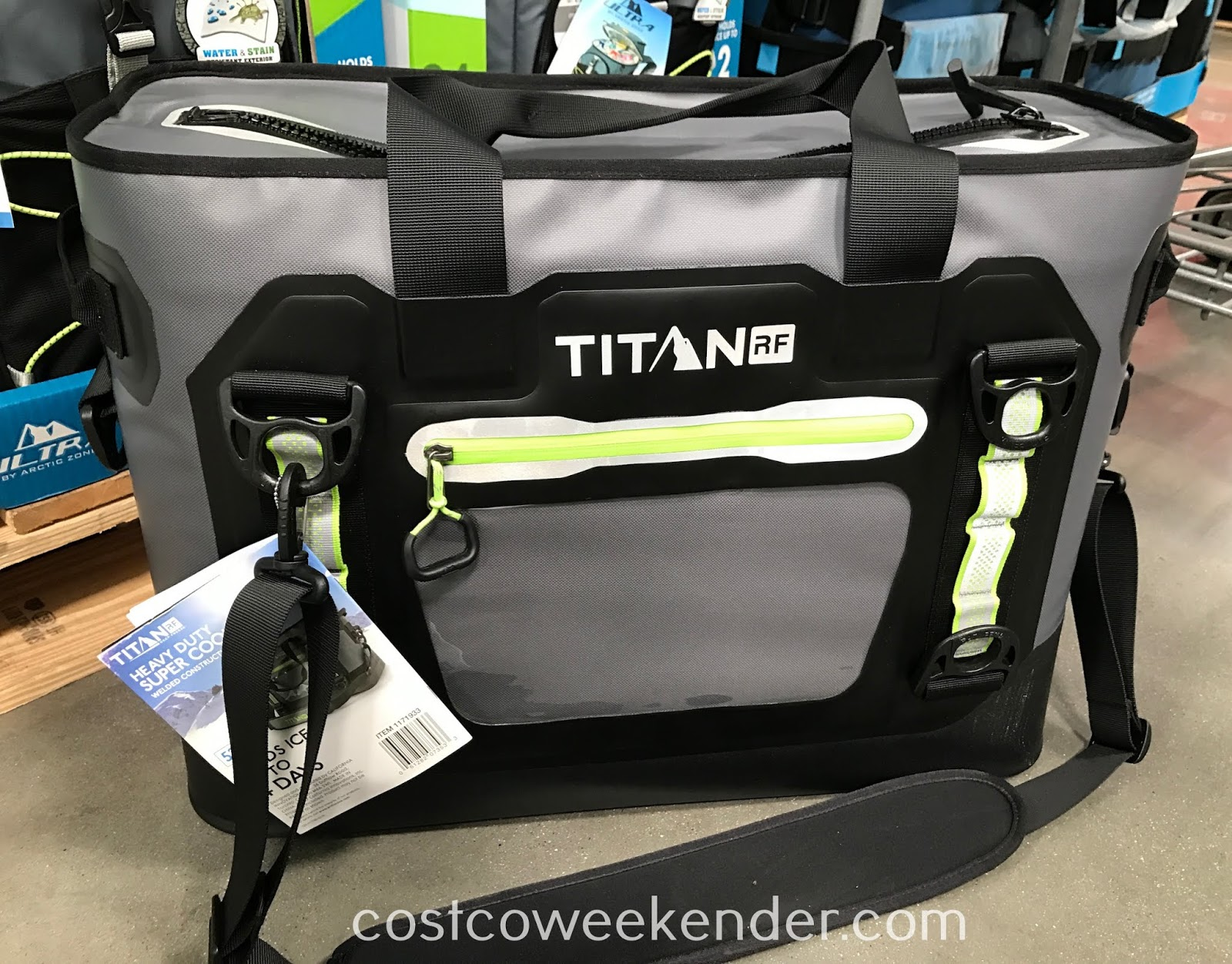 Keep drinks properly chilled with the Titan 52-can Welded Heavy Duty Cooler