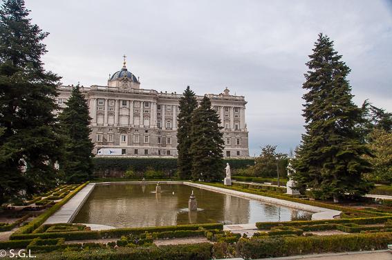 Jardines de Sabatini. Ruta lowcost por Madrid