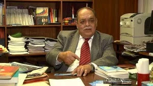 Economista Mendoza: Préstamo chino no aumentará la producción inmediatamente