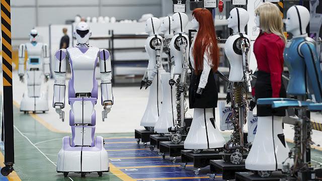 La inteligencia artificial puede reemplazar a la mujer en el mundo laboral