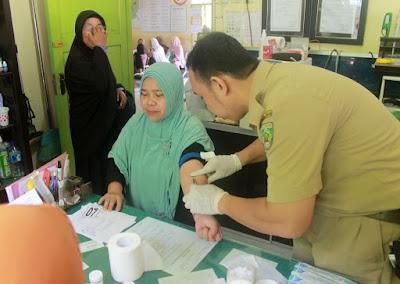 Petugas Pendamping Haji Perhatikan Jamaah Calon Haji Berisiko Tinggi