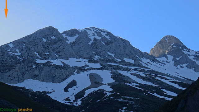 """Ruta por 5 'dosmiles"""" de Ubiña; El Robezo, P. Colines, P. Cigacha, El Pachón y La Mojonera desde los Invernales de Cuspasante."""