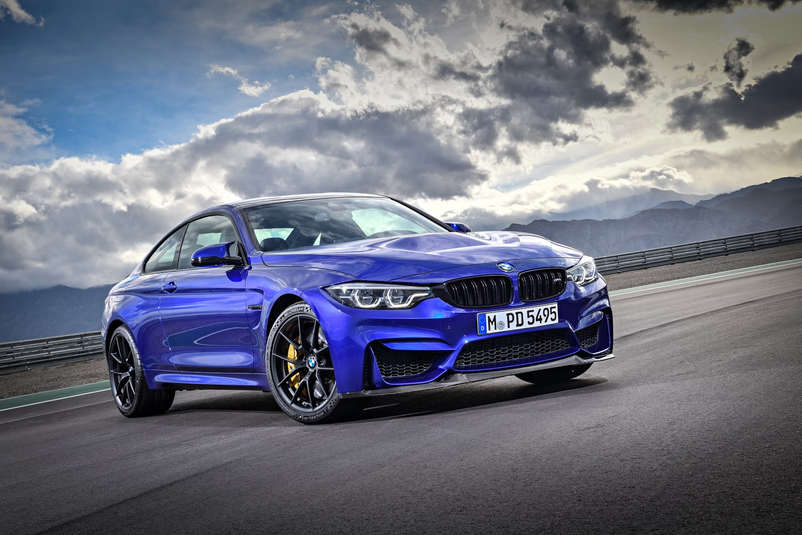 2018 bmw m4 cs special edition revealed in shanghai. Black Bedroom Furniture Sets. Home Design Ideas