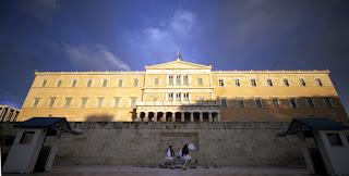 """Ο εμπαιγμός περί της δήθεν """"λαϊκής κυριαρχίας"""" στην Ελλάδα"""