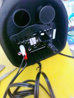 Pasang Bluetooth Speaker