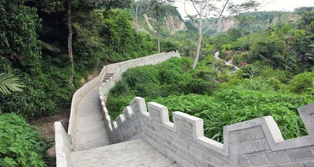 Wisata Tembok Cina di Bukit Tinggi