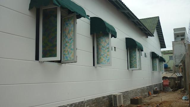 Mẫu cửa sổ mở 2 cánh làm từ nhựa lõi thép uPVC