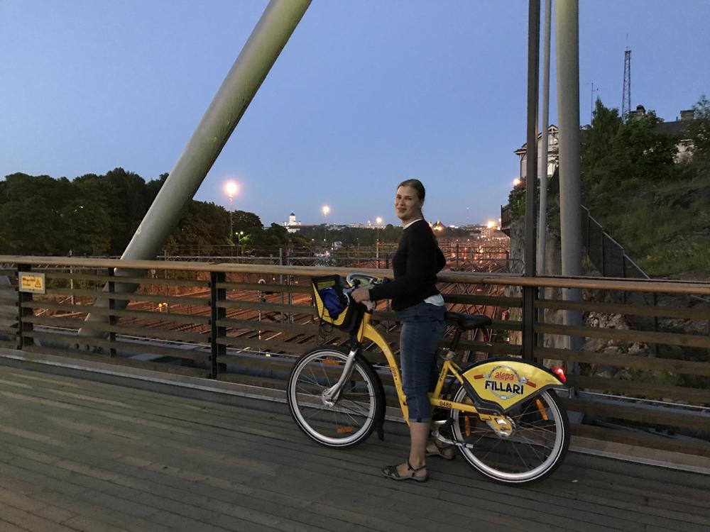 Kaupunkipyörällä auringonlaskusta auringonnousuun 25