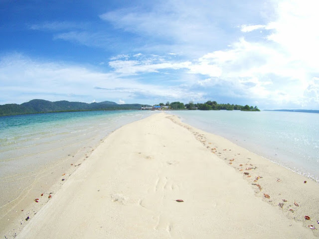 Pantai Bakealu Muna