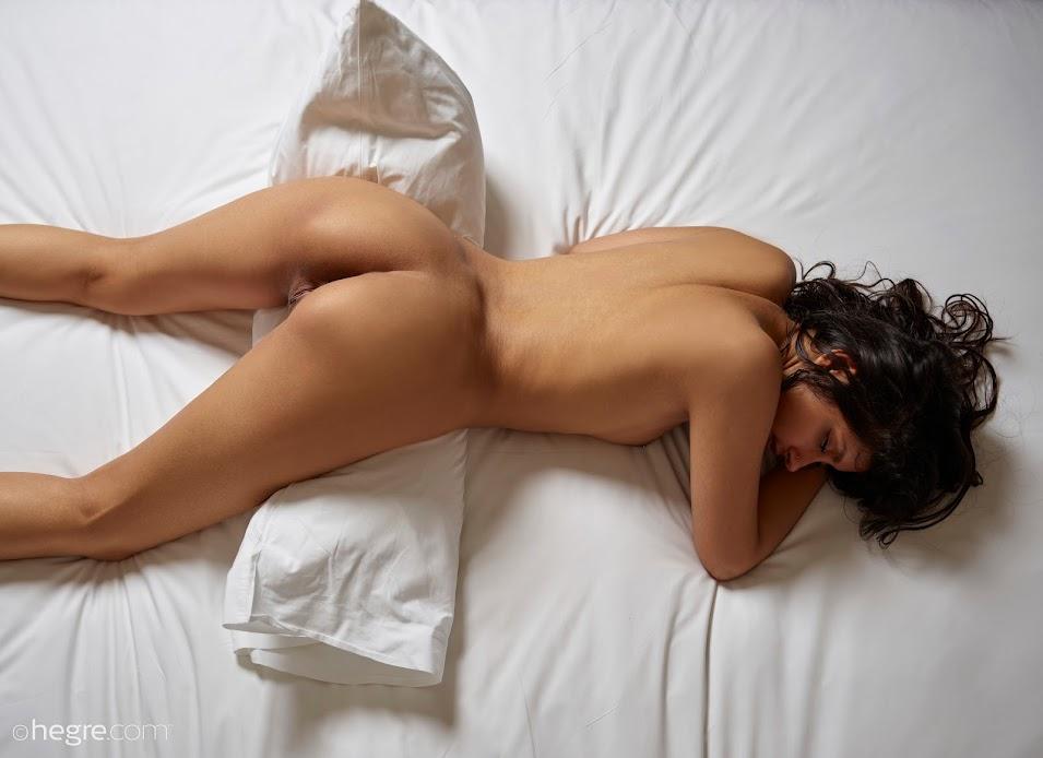 tvosy9q2h2bi Hegre Anaya Bedroom Nudes hegre 10020