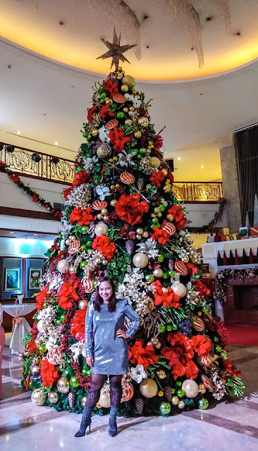 Christmas Tree in Marco Polo Plaza Hotel Cebu. Pic by Sha-Sha.