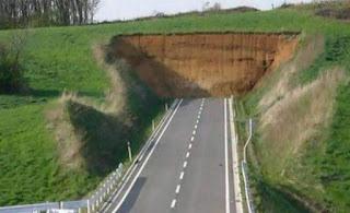 carretera finalizada, muro
