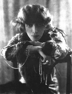 The Marchesa Casati photographed by Adolfo de Meyer in 1912