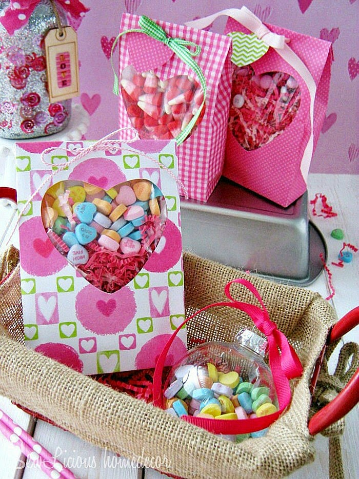 valentine-heart-window-treat-bags