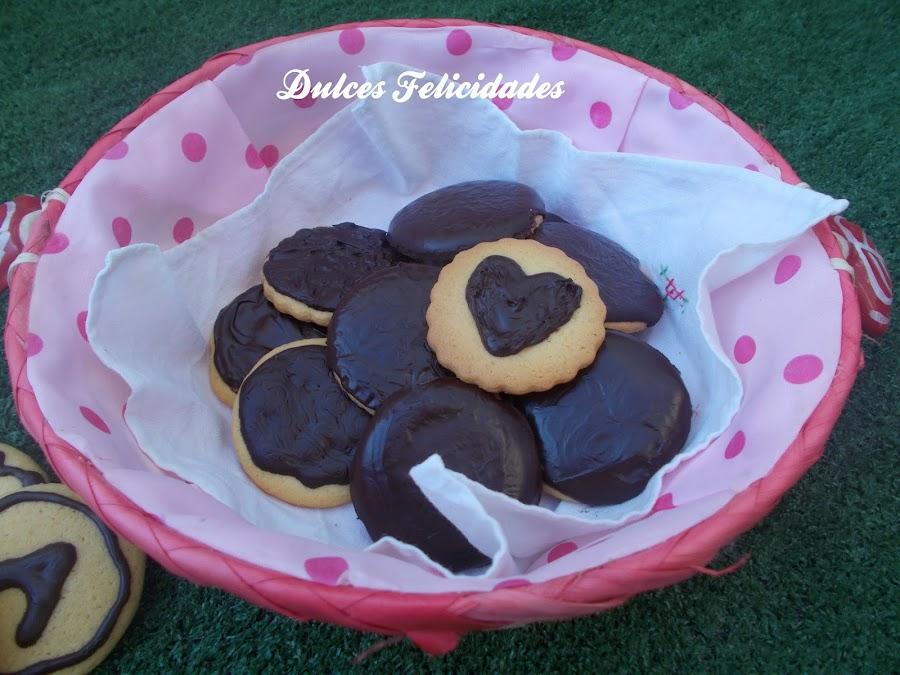 Galletas de mantequilla con cobertura de chocolate