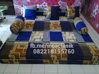Sofa bed Inoac motif kotak biru inoactasik
