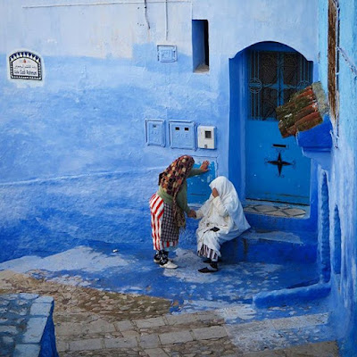 Conversando entre el azul en Chauen