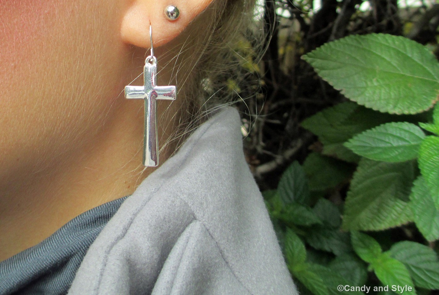 Cross Earrings - Details