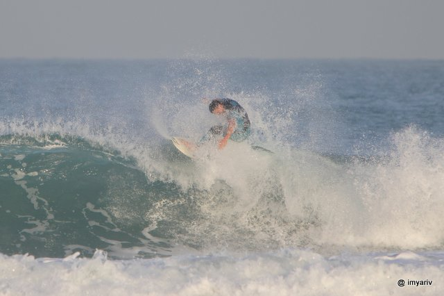 Surfing in Israel photos
