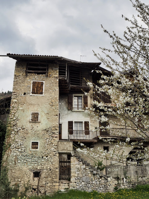 Canale, Ville del Monte, Lago di Tenno, Itálie