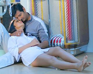 Kajal aggarwal showing armpits and boobs in sleeveless saree - 2 3