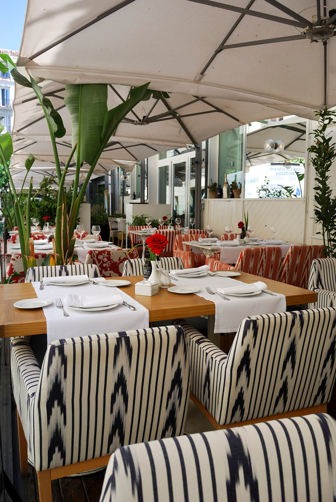 Los Gallos Taberna restaurante calle Puigcerda Madrid barrio Salamanca