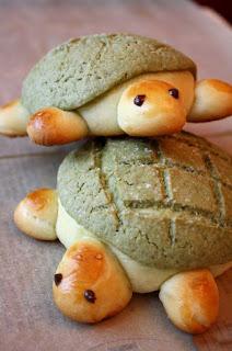 melon-pan-bread-banh-mi-dua-gang-nhat-ban-1